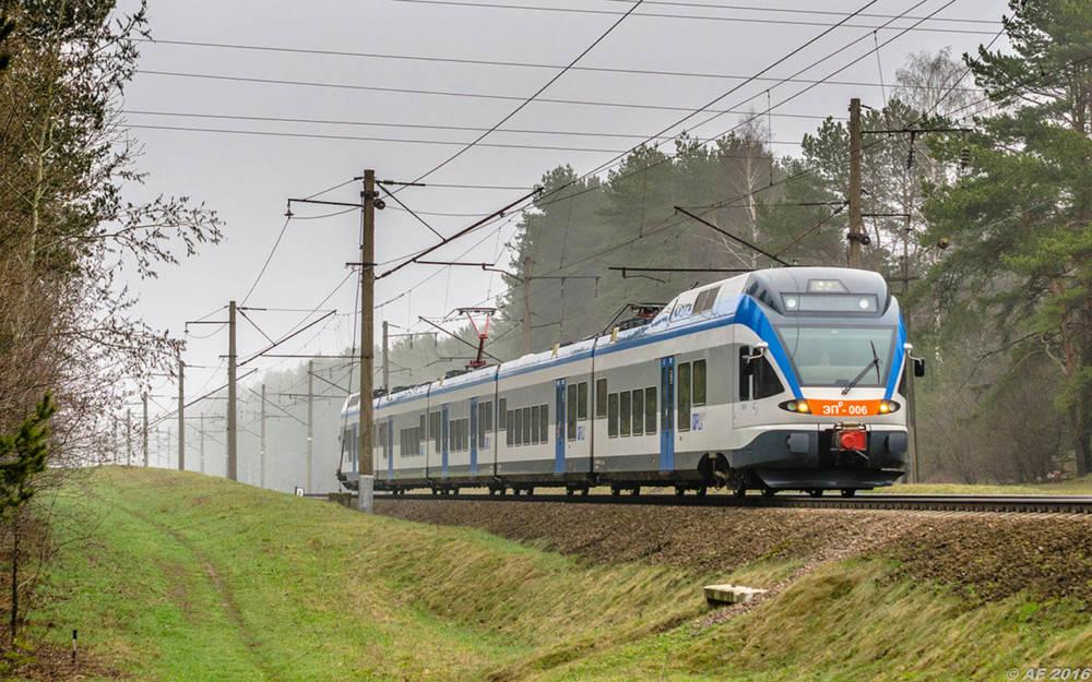 Изменения в расписании движения поездов региональных линий экономкласса (14-15 июня)