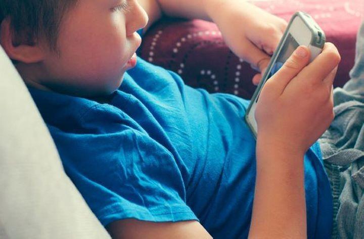 В каких мобильных приложениях дети Беларуси проводят больше всего времени?